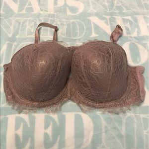 Victoria's Secret Dream Angels Chantilly Lace Bra